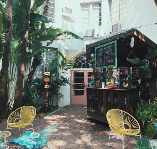 south beach outdoor bars