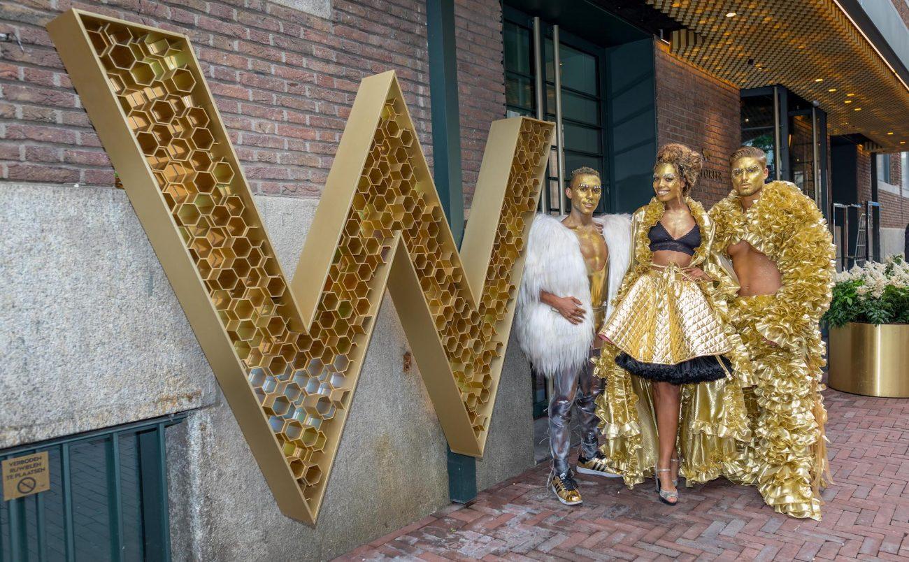 W-Amsterdam_Gay-Pride_Canal-Parade-52