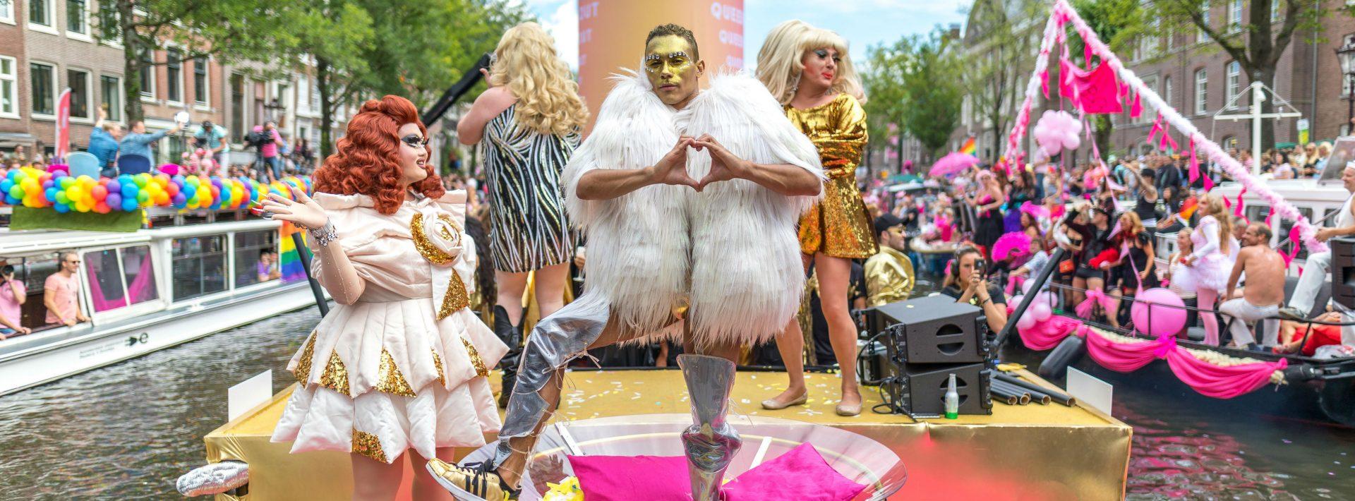 W-Amsterdam_Gay-Pride_Canal-Parade-1522