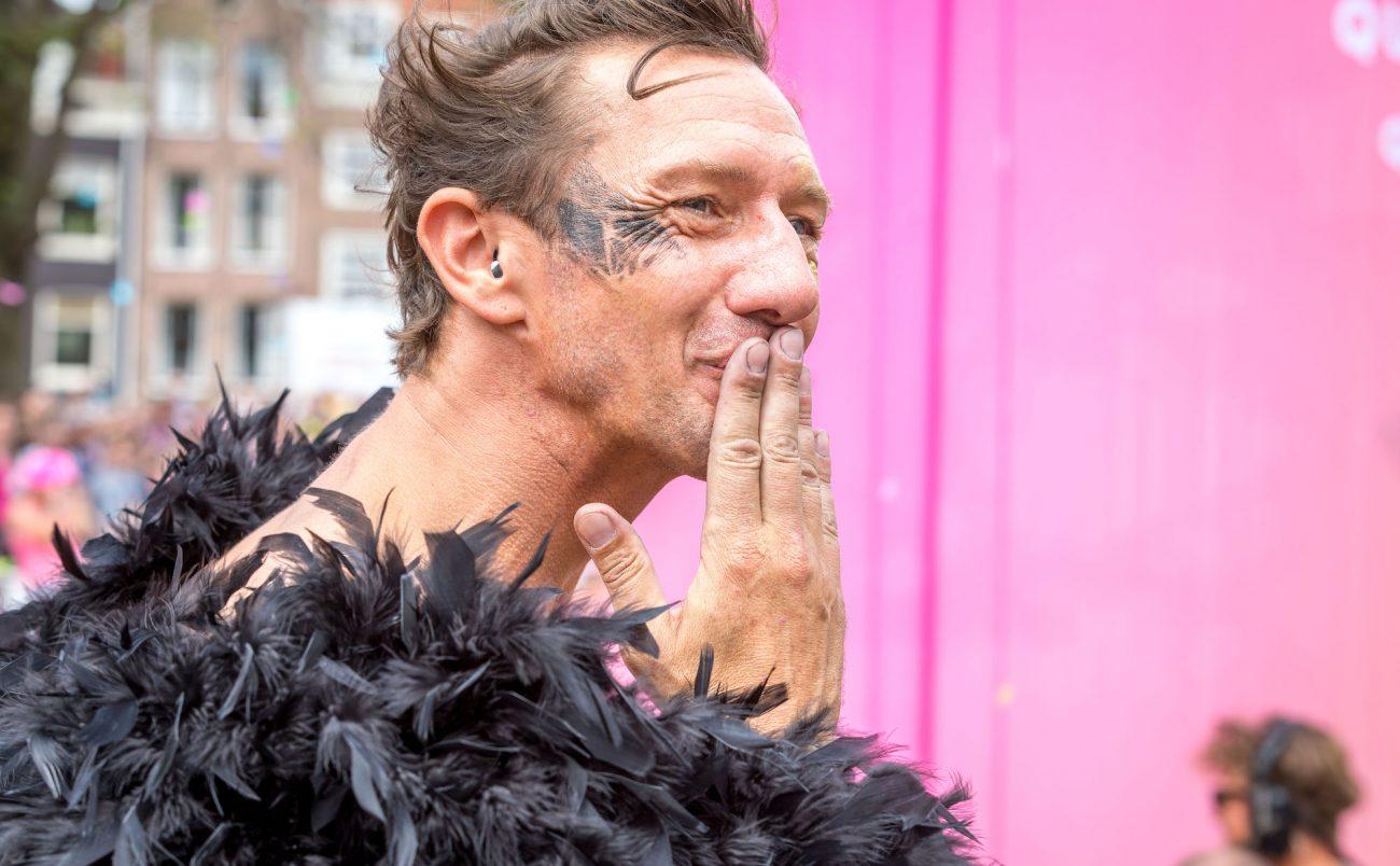W-Amsterdam_Gay-Pride_Canal-Parade-206