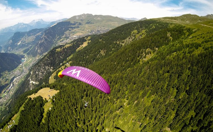 Paragliding-W-Verbier-2_1300x804_acf_cropped