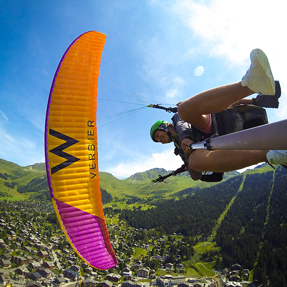Paragliding-cropped